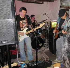 ARE YOU EXPERIENCED..Band Picture 3