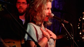 HAYLEY JANE AND THE PRIMATES  (USA)