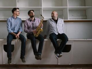 A/B Trio  (Canada)