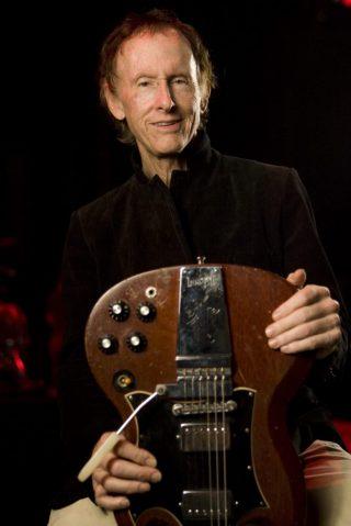 """The Ritual Begins At Sundown""..nakon 10 godina novi album Robbie Kriegera, gitariste Doorsa!"