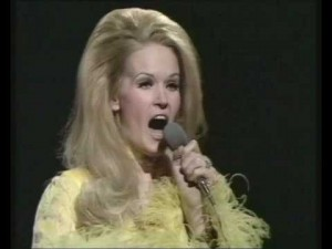 LYNN ANDERSON..Picture 2