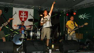 NAHODNI ZNAMI..Band picture