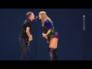 Bryan Adams & Taylor Swift..Picture